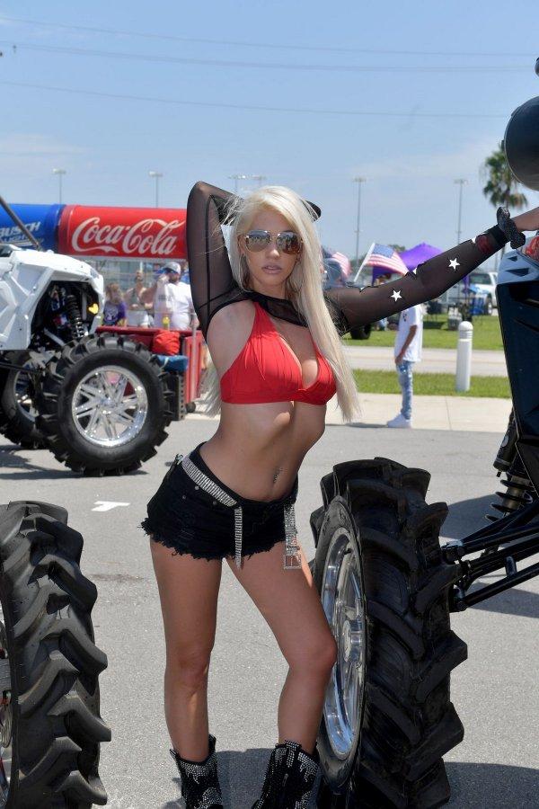 Daytona Truck Meet 2020: эксклюзивные грузовики и красивые девушки
