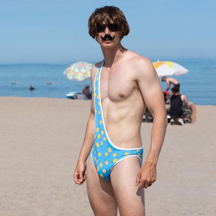 Брокини — последний писк пляжной моды для мужчин