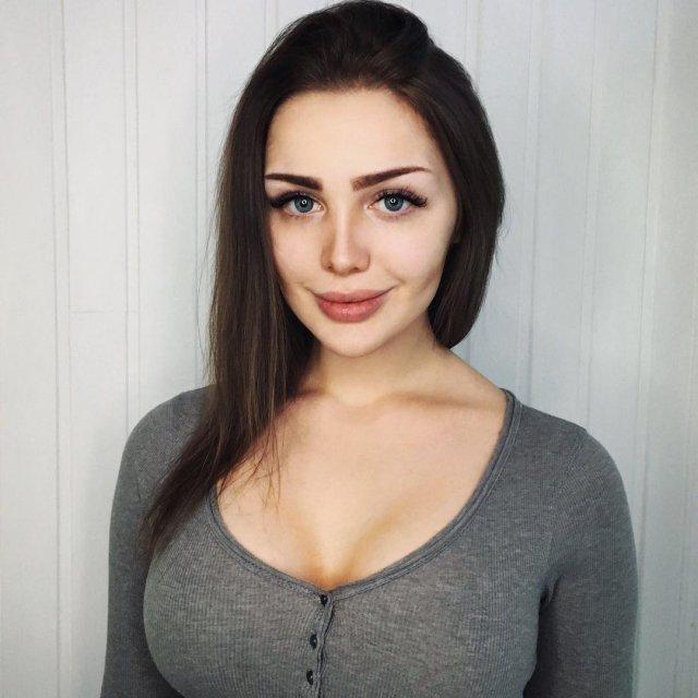 """Тома Жданова - блогер, которая очень любит """"Жигули"""""""