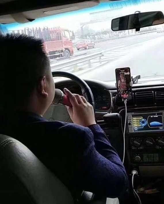 Смешные ситуации, с которыми можно столкнуться только в такси