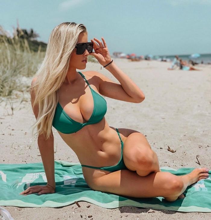 Сексуальные девушки в солнцезащитных очках