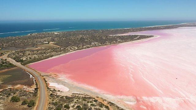 Австралийское чудо: лагуна с розовой водой