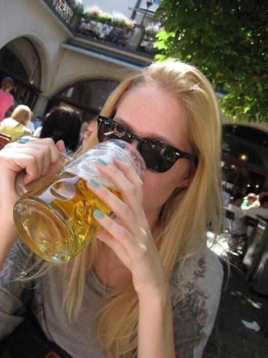 Девушки и пиво