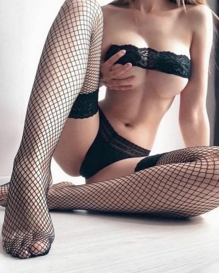 Сексуальные девушки в чулках
