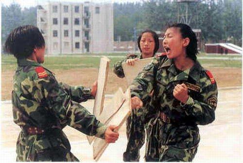 Китай. Женский спецназ.