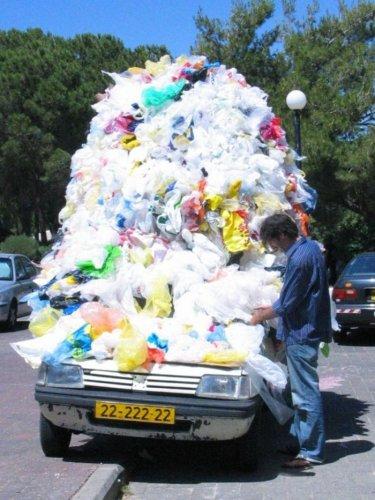 Учитесь мусор вывозить (14 фото)