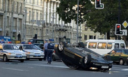 Авария двух BMW в Питере (10 фото)